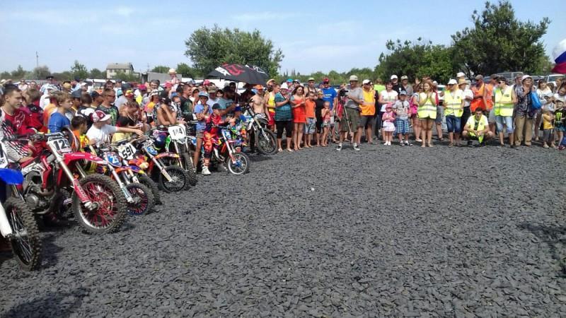 Соревнования по мотокроссу прошли в Шахтах