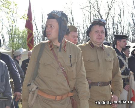 Донские реконструкторы воссоздали события прорыва Миус-фронта