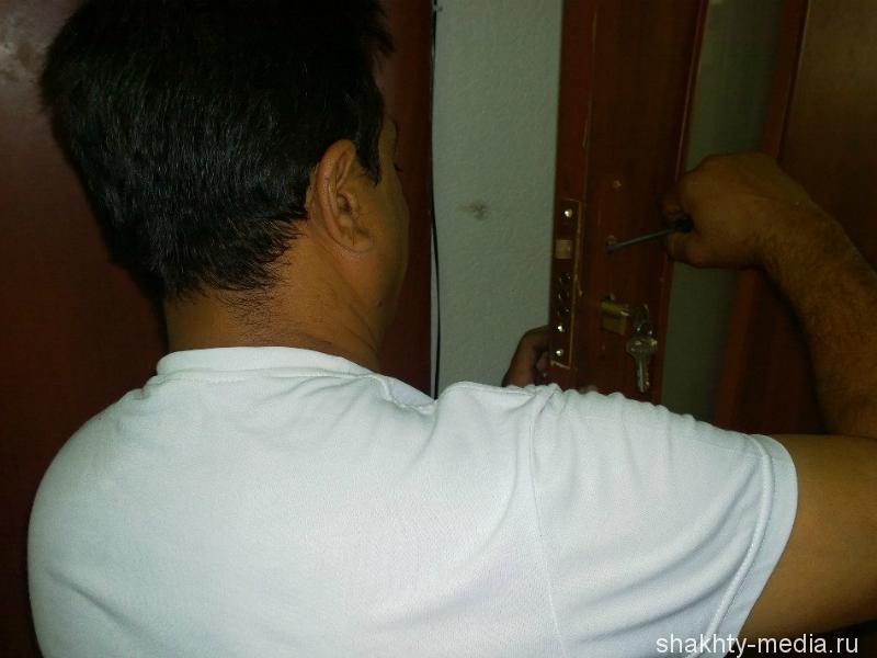 В городе Шахты с домовладения скрутили сплит-систему