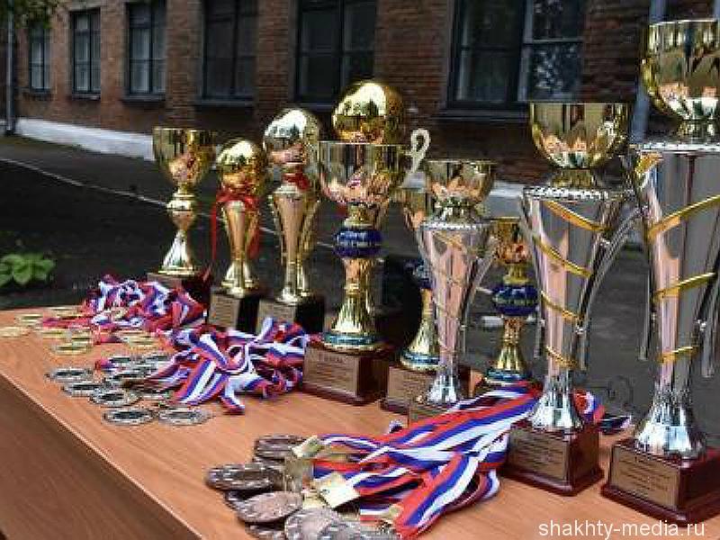 Школа №27 г. Шахты признана лучшей в области по организации работы по военно-патриотическому воспитанию