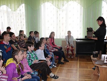 В гости к добродеевцам приехали сотрудники краеведческого музея