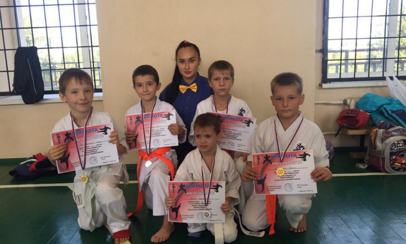 Шахтинские каратисты вошли в тройку призеров