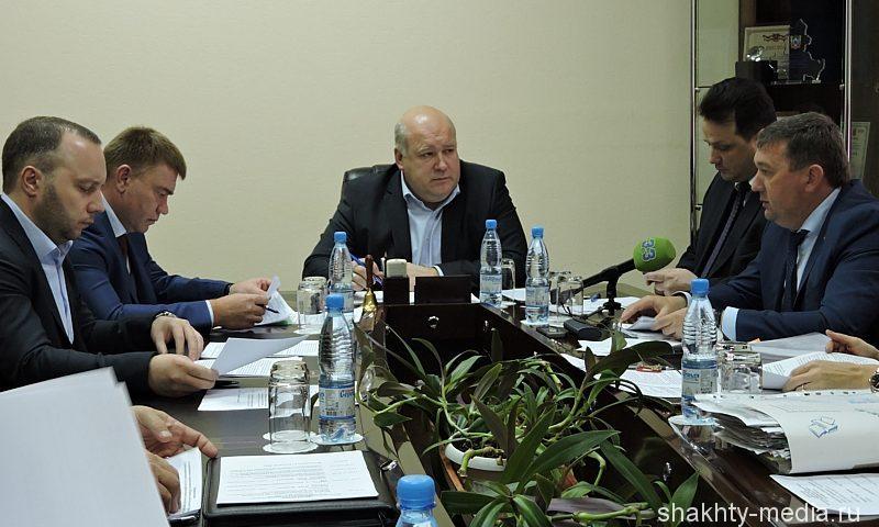 Первый замгубернатора РО Александр Гребенщиков провел совещания в администрации г. Шахты