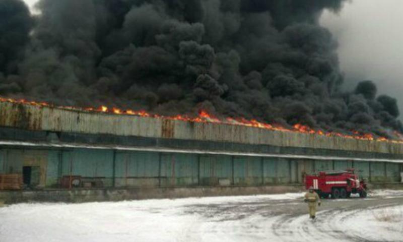 В Шахтах локализован крупный пожар