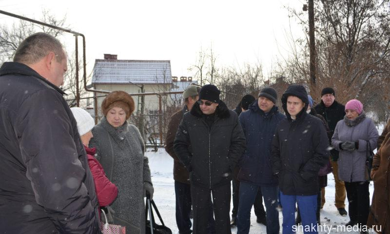 Министр ЖКХ Ростовской области Андрей Майер встретился с жителями поселка ХБК