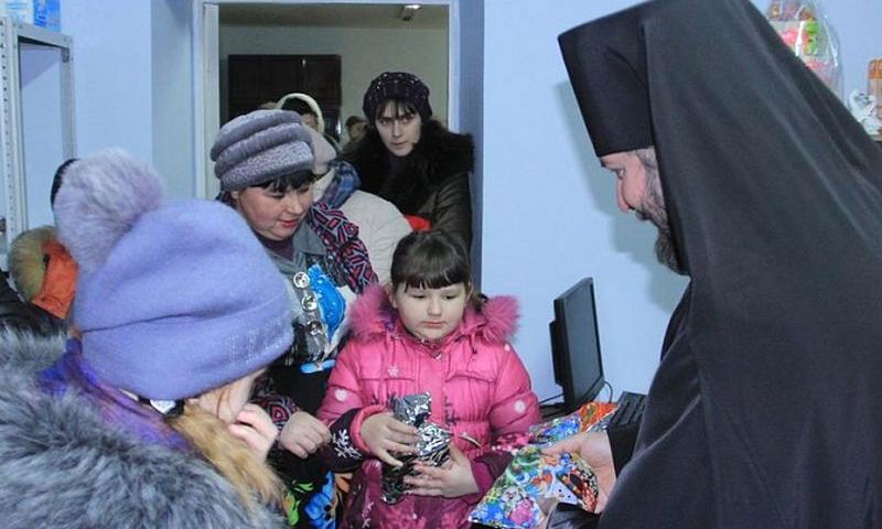 В г. Каменск-Шахтинский открылся гуманитарный склад помощи для кризисных семей