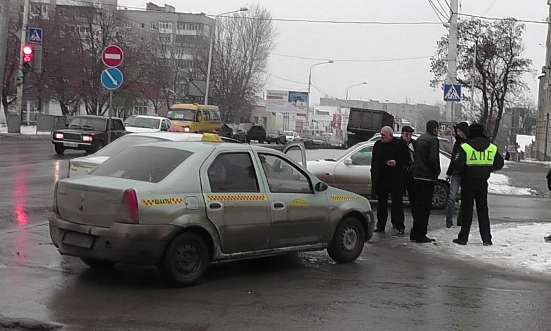 В результате аварии пострадал девятилетний пассажир одного из участников ДТП