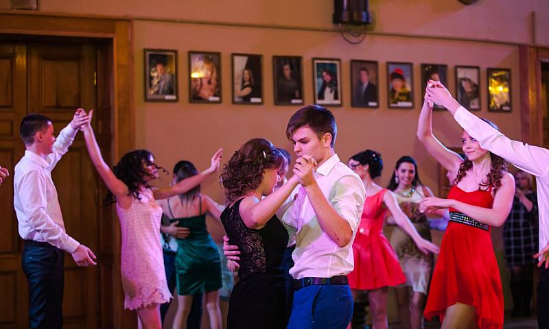 Татьянин бал прошел в Шахтинском драматическом театре
