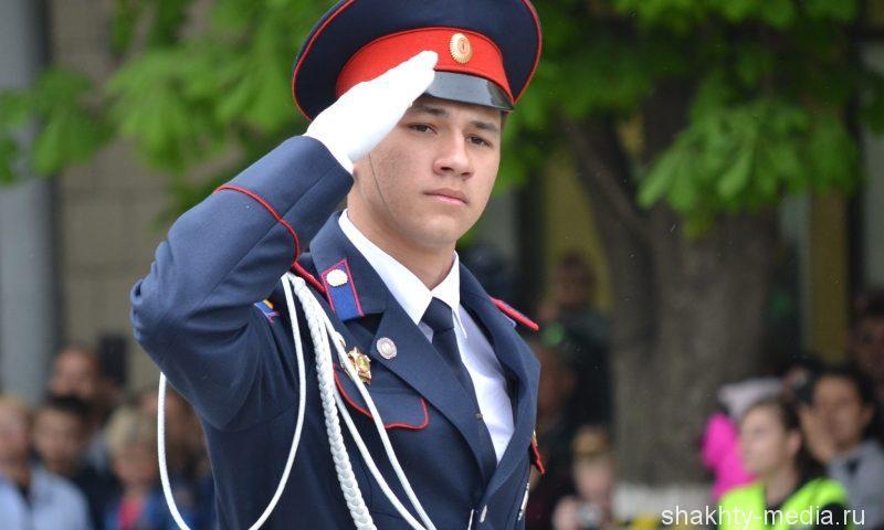 Подавляющее большинство выпускников кадетских заведений выбирают военные вузы