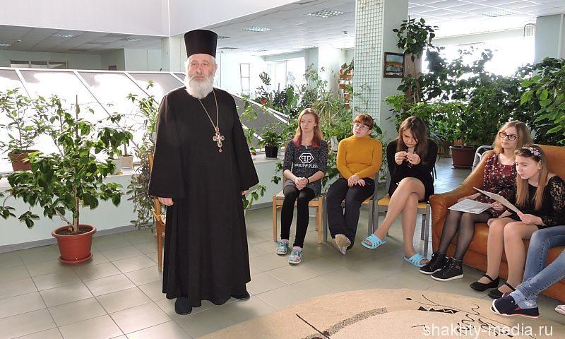 Священник и поэт Николай Уваров поделился своим творчеством с воспитанниками «Добродеи» (ВИДЕО)