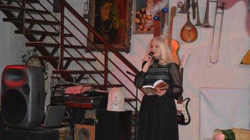 Сегодня отмечает свой день рождения автор гимна г.Шахты Ольга Корнеева