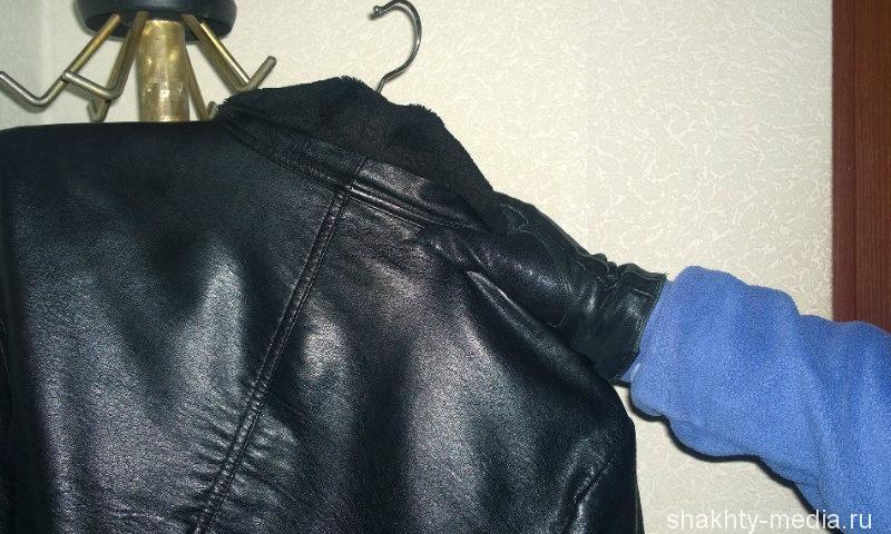 В Шахтах безработный пытался скрыться с украденной шубой