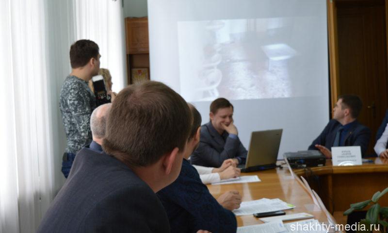 Шахтинские депутаты раскритиковали действия подрядчика, строившего детский сад в поселке ХБК