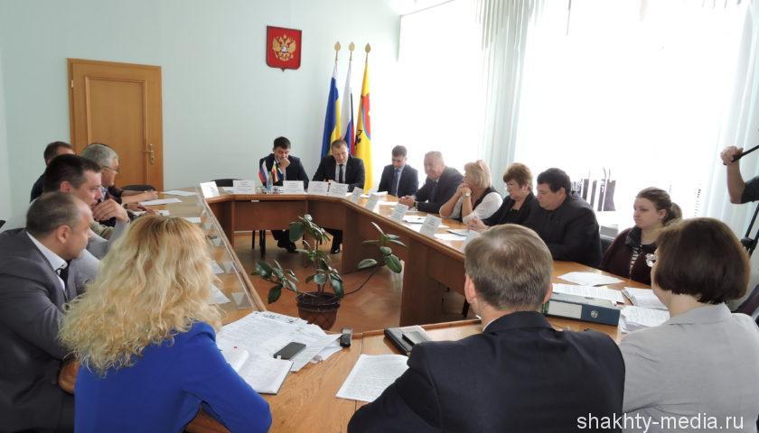 На заседании комитета по социальной политике депутаты обсудили ситуацию с ВИЧ-инфекцией  в г. Шахты