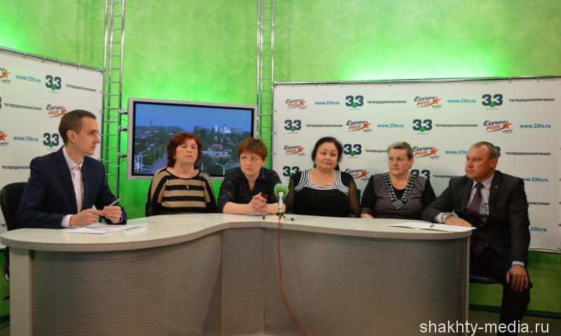 Шахтинским переселенцам обозначили сроки, когда будут достроены их дома