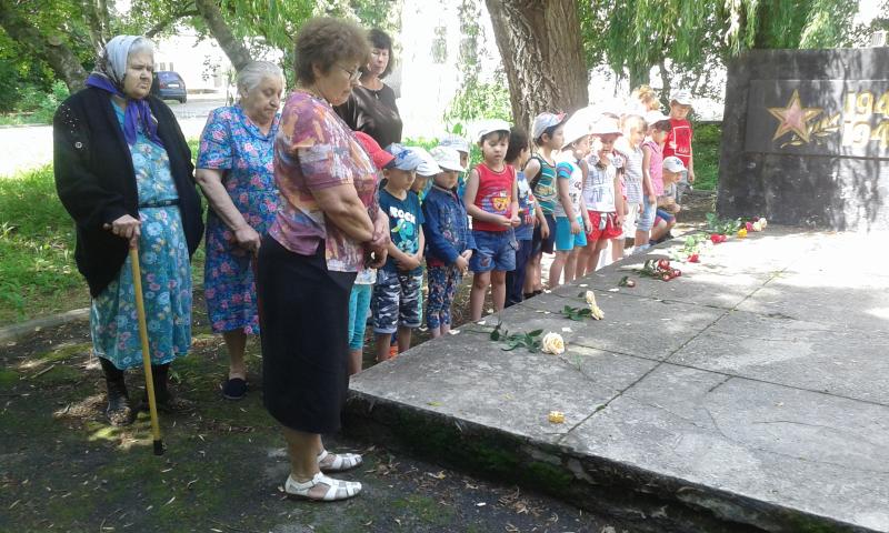 В  Шахтинском  пансионате  для престарелых и инвалидов почтили память павших солдат