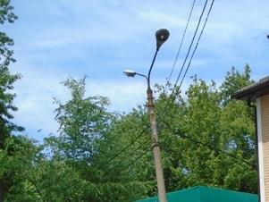 В Шахтах продолжается ремонт уличного освещения