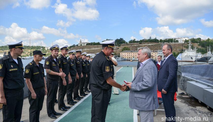 Моряков-черноморцев поздравил с праздником губернатор Ростовской области Василий Голубев