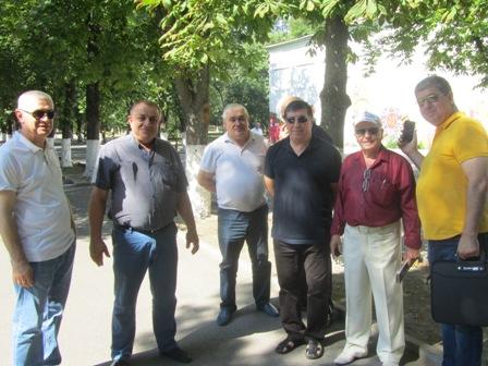 В Александровском парке г.Шахты собрался совет старейшин города