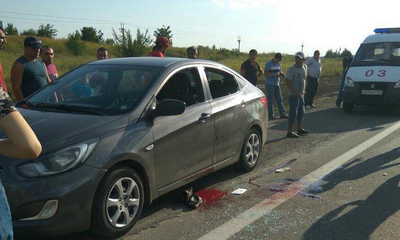 В Ростовской области полицейский расстрелял на трассе Ростов-Таганрог супругу и тестя