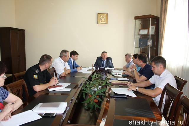 Глава администрации города Шахты провел совещание по бюджету