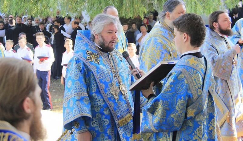 В праздновании в честь дня Донской иконы Божией Матери принял участие епископ Шахтинский и Миллеровский Симон