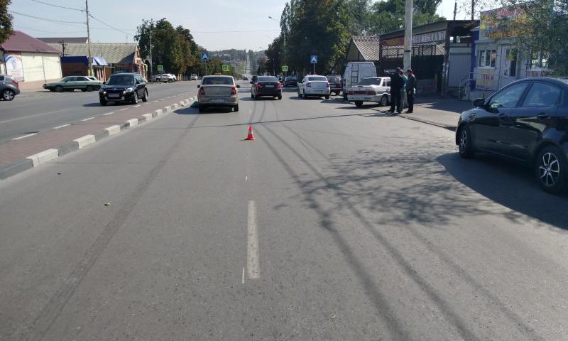В Шахтах на улице Советской совершен наезд на женщину-пешехода