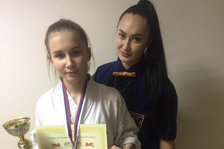 Шахтинка Полина Коршкова завоевала серебро на соревнованиях по Киокусинкай каратэ