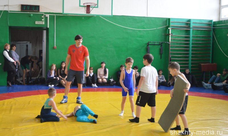 Мастер-класс по греко-римской борьбе проведен в г.Шахты