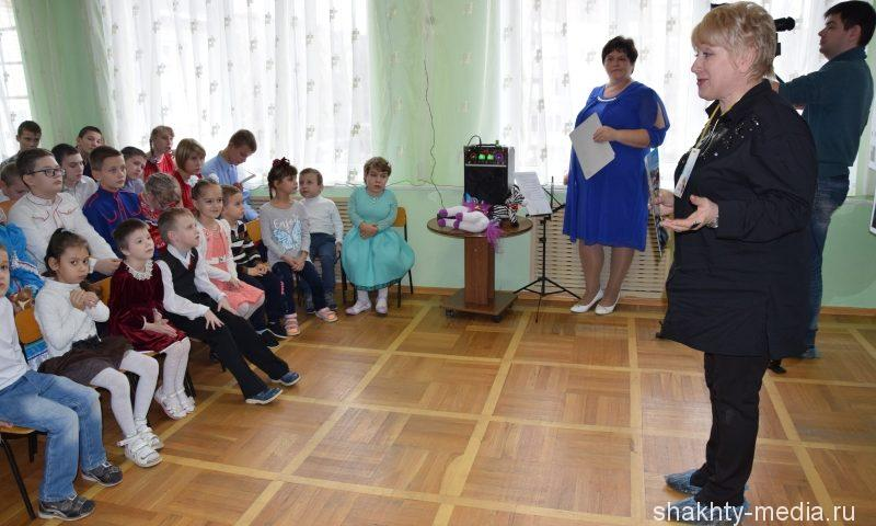 """Воспитанники РЦ """"Добродея"""" показали  концерт """"В кругу друзей"""""""