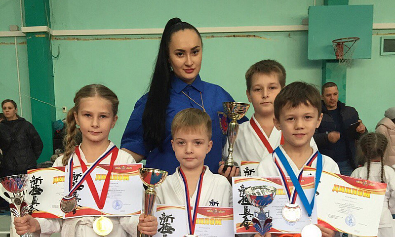 Семь шахтинских спортсменов заняли призовые места в открытом первенстве Ростовской области по киокусинкай