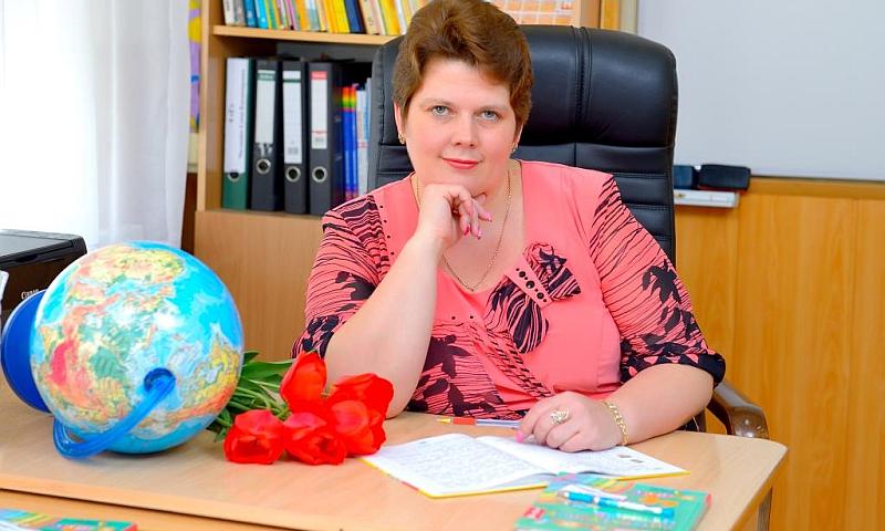 Педагог из города Шахты получила диплом лауреата премии Губернатора Ростовской области