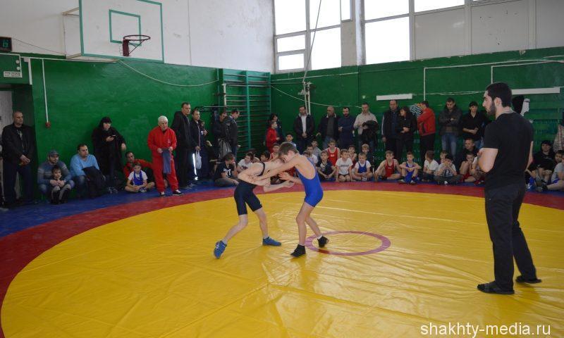 Более 150 спортсменов приняли участие в Первенстве по греко-римской борьбе памяти  Игоря Гордиенко