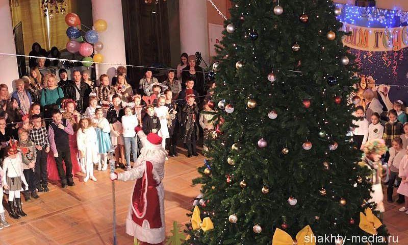 Управление ГОЧС г.Шахты просит соблюдать пожарную безопасность в новогодние праздники