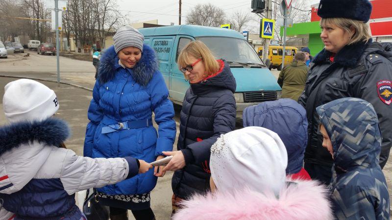 Акцию «Заметный пешеход» провели сотрудники Шахтинской  Госавтоинспекции
