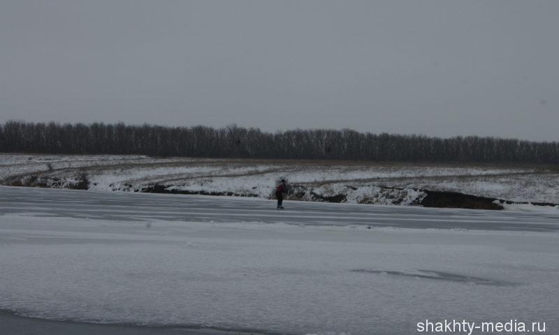 На Дону два  рыбака провалились под лед, одному спастись не удалось
