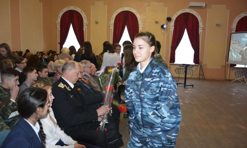 В Шахтах стартовал месячник  оборонно-массовой и военно-патриотической работы «Служу Отечеству»