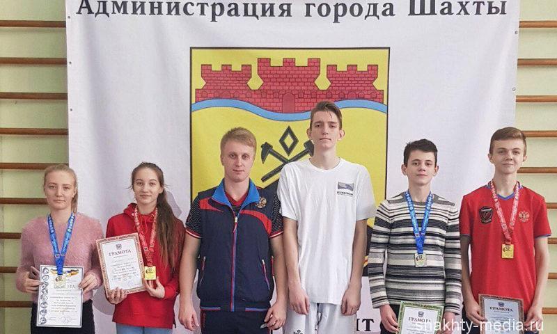 Шахтинцы завоевали «золото» и «серебро» в областном первенстве по тхэквондо