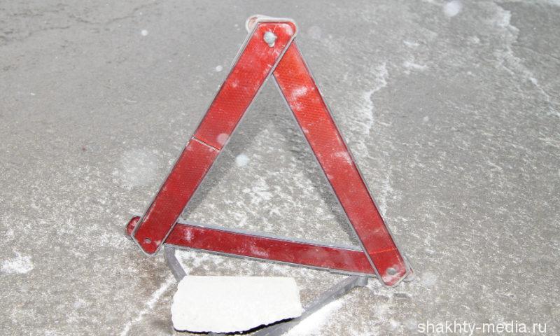 В Шахтах нетрезвый сотрудник полиции на «BMW X5» столкнулся с «семеркой»