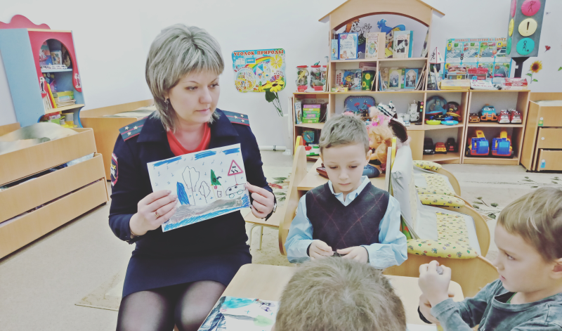 В  детском саду №35 прошел конкурс рисунков «Рисуем предупреждающие знаки»