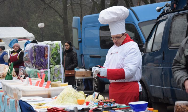 В Шахтах более 100 производителей представили свою продукцию на сельскохозяйственной ярмарке