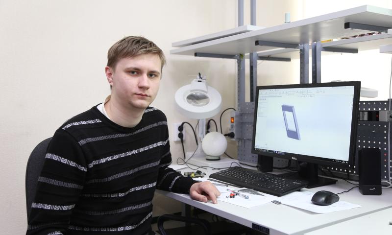 Студент ДГТУ разрабатывает устройство, которое поможет решить проблему спутниковой связи между кораблями