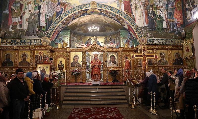 В Покровском кафедральном соборе г.Шахты состоялось торжественное богослужение