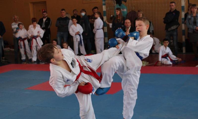 Шахтинские каратисты завоевали 14 медалей на турнире «Кубок атамана Платова – 2018»