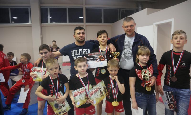 В общекомандном зачете команда СК «БОЕЦ» заняла первое место на открытом турнире по ММА «Новый поток»