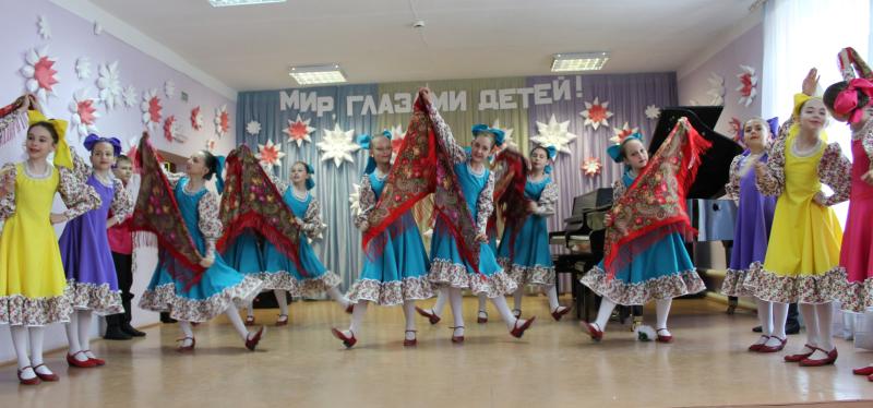 В ЦИ им.Д.Кабалевского прошел отчетно-годовой концерт и выставка «Мир глазами детей!»