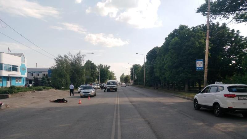 17-летний скутерист насмерть сбил женщину-пешехода  на проспектеПобеда Революции  в Шахтах