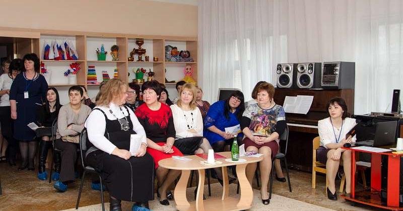 В детском саду №77 г.Шахты прошло методическое объединение по художественно-эстетическому воспитанию дошкольников