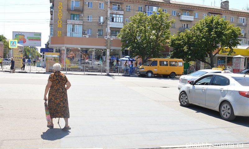 В Шахтах на один пешеходный переход стало меньше