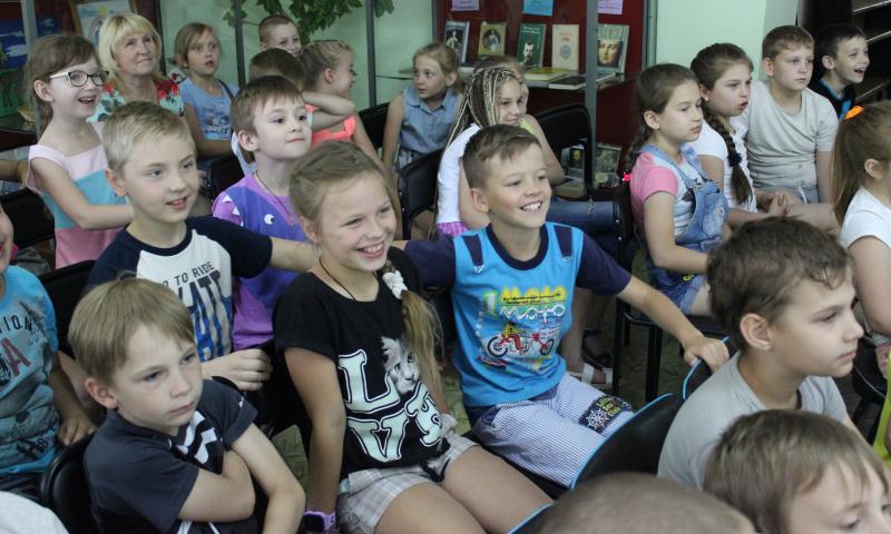 Информационно-познавательный час «Очевидное-невероятное в мире животных» для школьников провела библиотека им.М.Шолохова